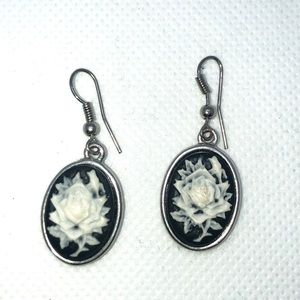 boutique Jewelry - New- Beautiful Rose silhouette (Cameo) Earrings